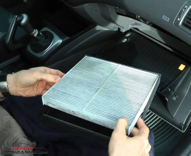Điều hòa ô tô có mùi lạ-nguyên nhân chính của nó và cách xử lí nhanh nhất
